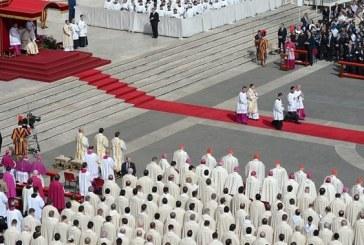Ferenc pápa vasárnapi homíliája: Az irgalmasság műveivel írjuk tovább János evangéliumát