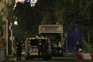 Terrormerénylet Nizzában a francia nemzeti ünnepen