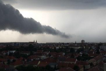 Jéggel és felhőszakadással érkezett vihar Szombathelyre