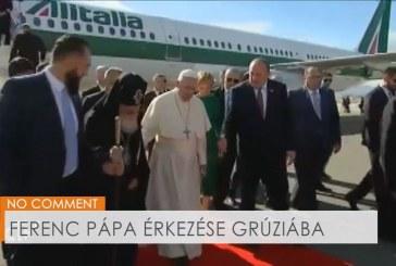 Ferenc pápa érkezése Grúziába