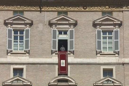 Ferenc pápa: Járjunk világosságban!