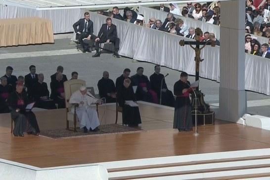 Ferenc pápa: Fogadjuk be az új élet ígéretét!