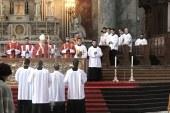 Esztergomban mutatott be szentmisét virágvasárnap Erdő Péter