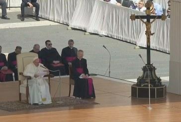 Ferenc pápa: Nyíljunk meg a remény előtt!