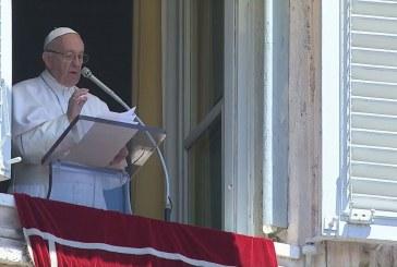 Ferenc pápa: A szeretet új fényt áraszt