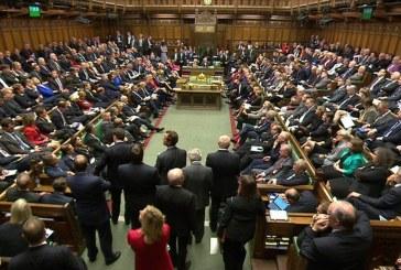 Elfogadták az új brit kormány programját