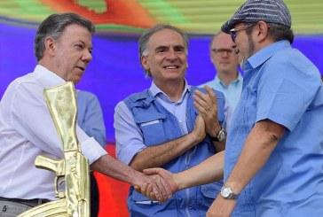Hivatalosan is véget ért a kolumbiai konfliktus