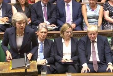 Theresa May: Senkinek nem kell majd távoznia a Brexit időpontja után