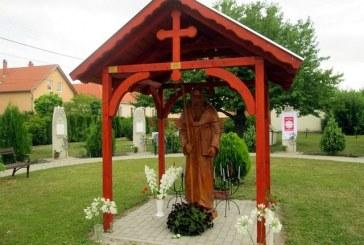 Felavatták és felszentelték Szent Benedek szobrát