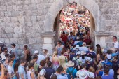 Óriási tömeg volt Dubrovnikban