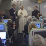 Elköszönt Bangladestől Ferenc pápa