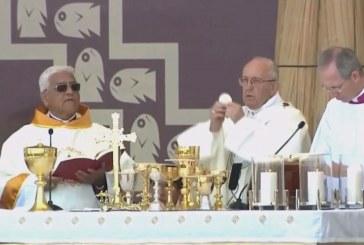 Pápai szentmise Peruban