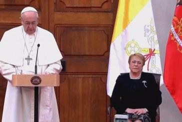 Megkezdte programját a pápa