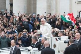 A korrupció ellen szólt a pápa