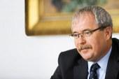 Újabb miniszter távozik