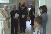 Váratlan pápai látogatás
