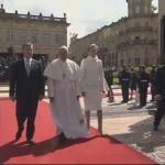 Megkezdte hivatalos programjait a pápa Kolumbiában
