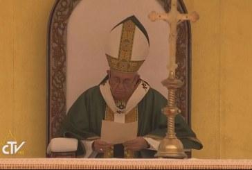 Pápai szentmise Mianmarban
